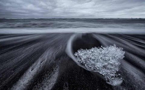 fotoresa-island-blacksandbeach