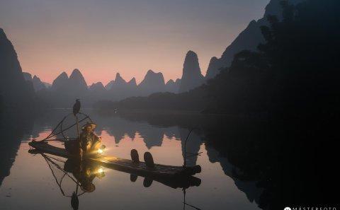Fotoresa Kina med coromant fishermen. Utveckla din fotografering